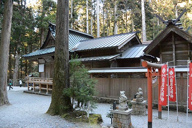 御岩神社・稲荷大明神
