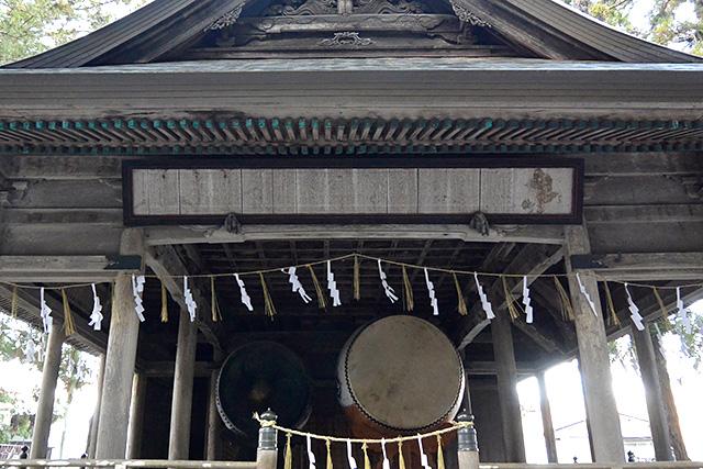 上社・本宮「神楽殿」の大太鼓