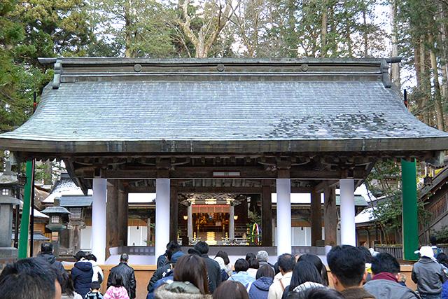 上社・本宮「参拝所」