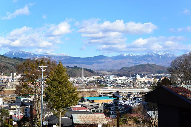 上社・前宮から八ヶ岳を望む