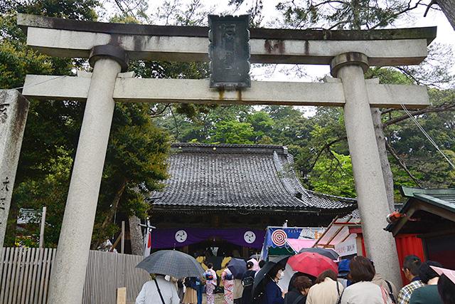 石浦神社の御朱印希望者の列