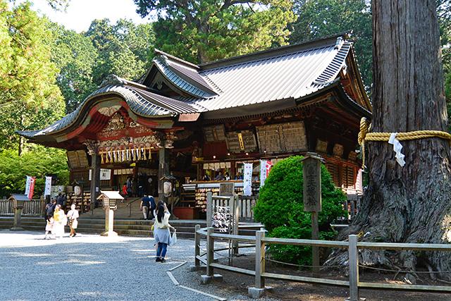 北口本宮冨士浅間神社の拝殿
