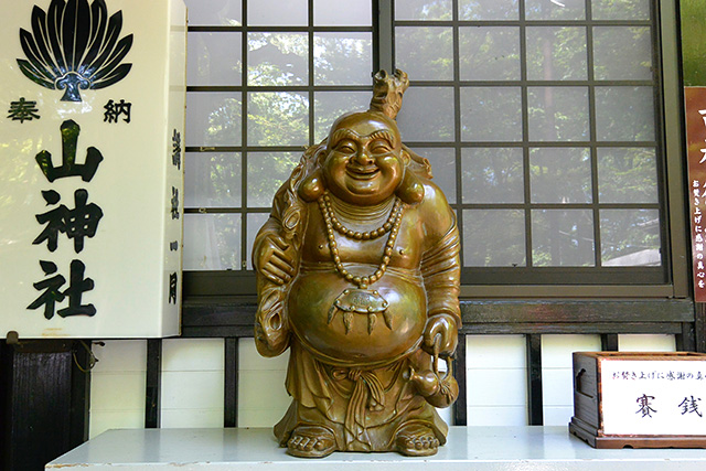新屋山神社・恵比寿様