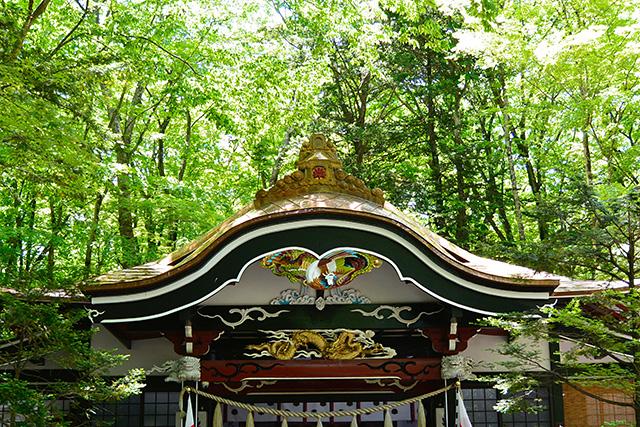 新屋山神社・本宮