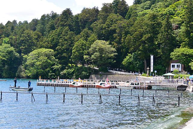 芦ノ湖遊覧船乗り場から箱根神社へ