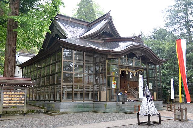 金劔宮・拝殿
