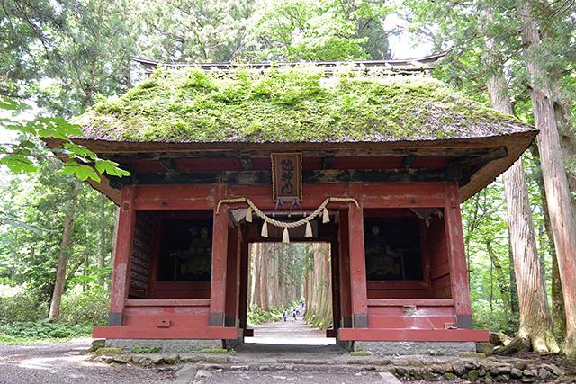 戸隠神社・随神門