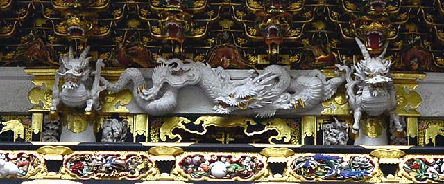 日光・陽明門 龍の彫刻
