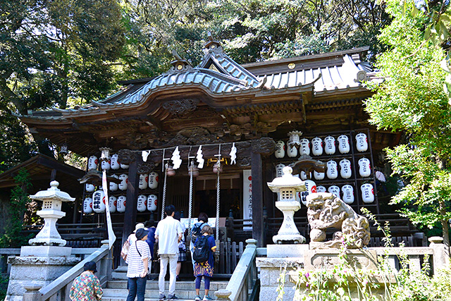 大甕神社・拝殿と本殿
