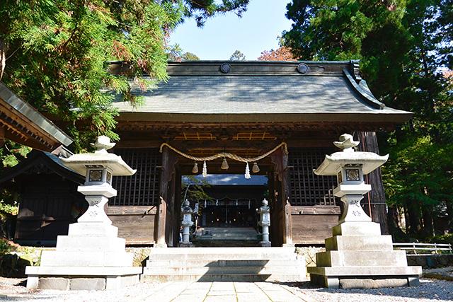 河口浅間神社の随神門