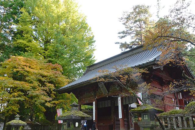 北口本宮冨士浅間神社の随神門