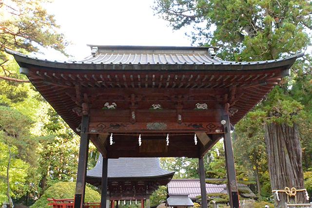 北口本宮冨士浅間神社の神楽殿