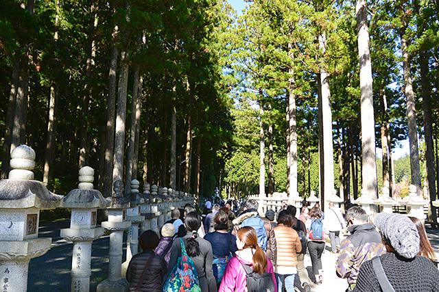 奥之院の参詣