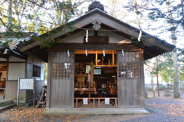忍野八海浅間神社の神輿殿