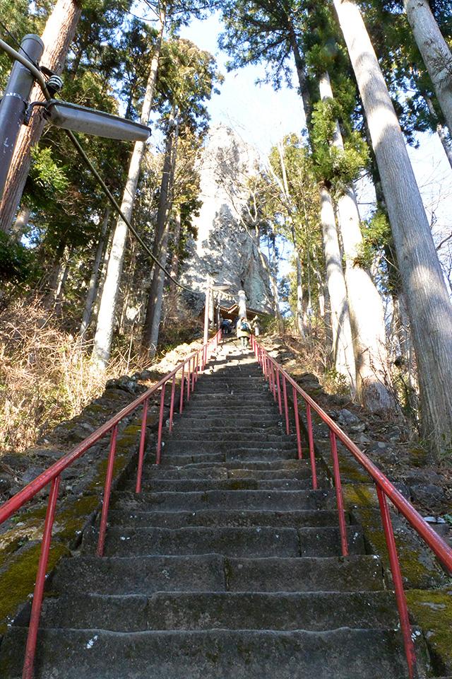中之嶽神社へ