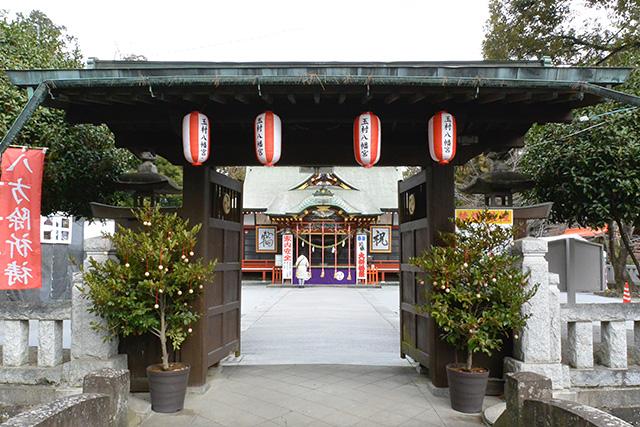 玉村八幡宮・神橋と中門