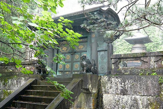 奥宮宝塔(家康のお墓)