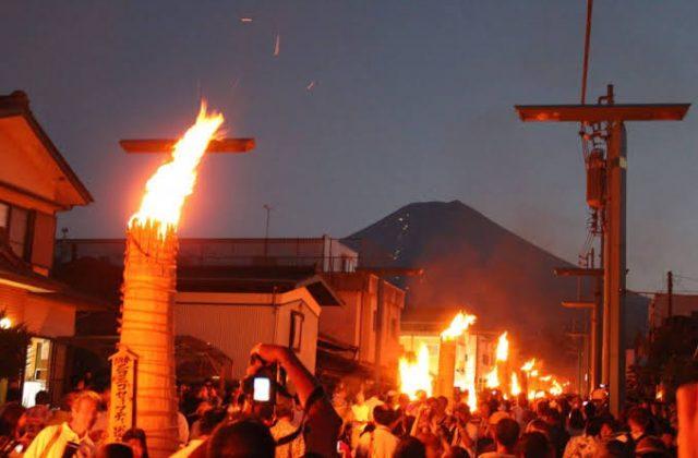 静かに楽しむ大人の火祭り〜諏訪大社のルーツは富士山の麓にあり?〜