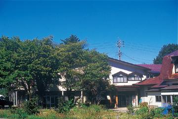マウントサイドヨーデル(本館)の外観